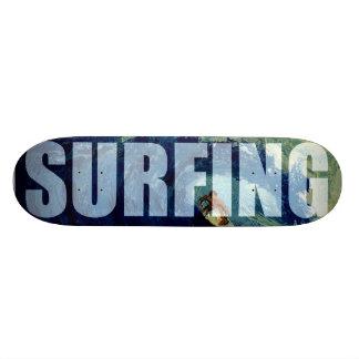 Surfende Brandungs-Meerwasser-Sport-Skate-Brett-Pl