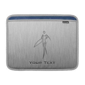 Surfendes Mädchen; Gebürsteter Metall-Blick Sleeves Fürs MacBook Air