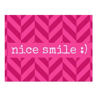 """Süße rosa """"Nizza Lächeln-"""" Liebe-Postkarte Postkarte"""