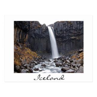 Svartifoss Wasserfall in der Island-Weißpostkarte Postkarte