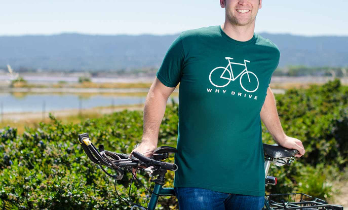 Such Dir ein T-Shirt zum Thema Sport aus und gestalte es. Wähle aus 126 Designs, Schnitten und Farben für Männer, Frauen und Kinder.