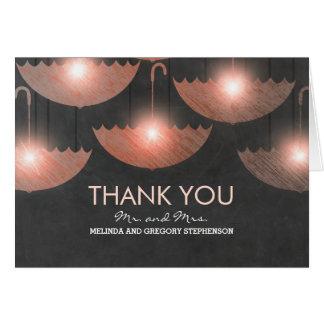 Tafel - die rosa Wedding Regenschirm-Lichter Karte