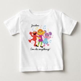 Tanzen des Sesame Street-  Julia, Elmo u. Abby Baby T-shirt