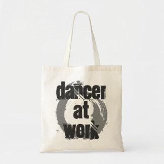 Tänzer an der Arbeits-weißen u. grauen Tragetasche