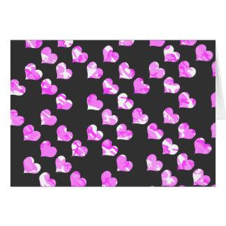 Tarnungs-rosa Herzen Karte