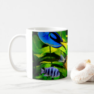 Tasse voll Fische