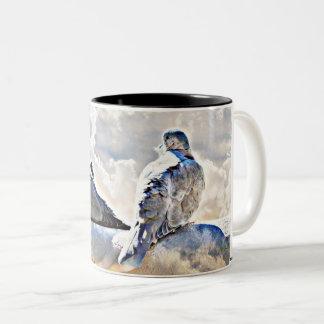 Tauben in der Himmels-Kaffeetasse/Tasse Zweifarbige Tasse