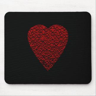 Tiefrotes Herz. Gemusterter Herz-Entwurf Mousepad