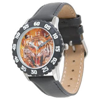 Tiger und Flamme Uhren