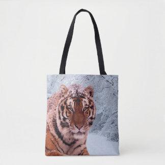 Tiger und Schnee