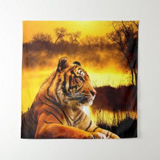 Tiger und Sonnenuntergang Wandteppich
