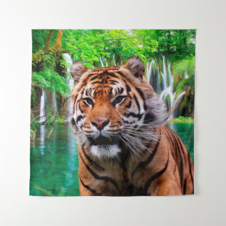 Tiger und Wasserfall Wandteppich