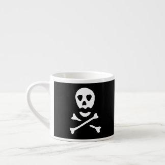 Totenkopf mit gekreuzter Knochen Espressotasse