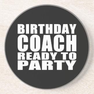 Trainer: Geburtstags-Trainer bereit zum Party Getränkeuntersetzer