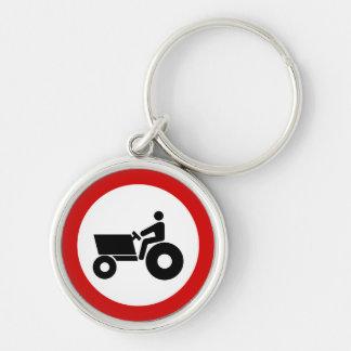 Traktor, der Zeichen bewirtschaftet Silberfarbener Runder Schlüsselanhänger