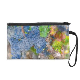 Trauben auf der Rebe in der Herbst-Jahreszeit Wristlet Handtasche