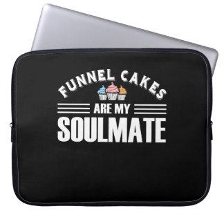 Trichter-Kuchen sind mein Soulmate-Trichter-Kuchen Laptopschutzhülle