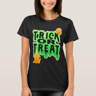 Trick oder Leckerei mit und Geisthalloween-Shirt T-Shirt