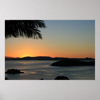 Tropischer Insel-Sonnenuntergang Poster