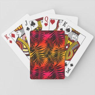 Tropischer Palme-Blatt-Schatten auf Pokerdeck