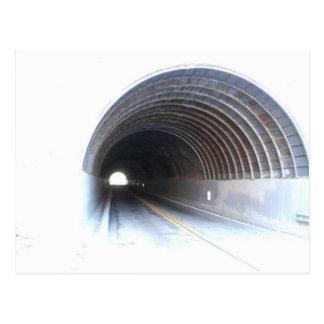 Tunnel durch Bernadette Sebastiani Postkarte