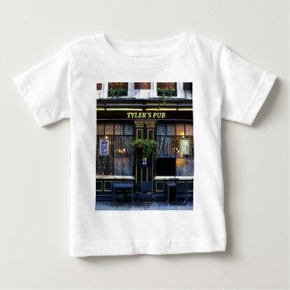 Tylers Kneipe Baby T-shirt