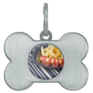Typischer russischer Teller - gebratene Kartoffeln Tiermarke