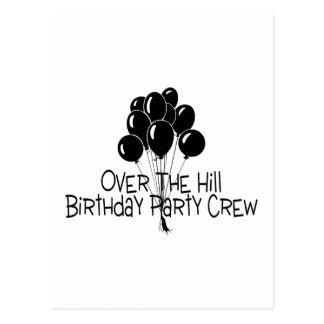 Über der Hügel-Geburtstags-Party-Crew Postkarte