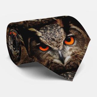 Uhu Eule mit erschreckenden Augen Bedruckte Krawatten