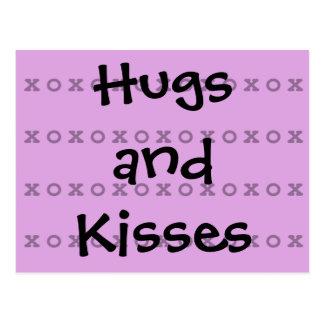 Umarmungen und Küsse Postkarte