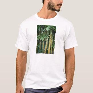 Umbauten auf Baum T-Shirt