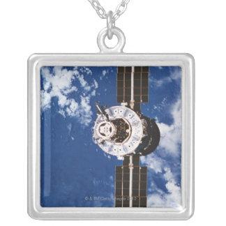 Umkreisende Satellitenerde 2 Versilberte Kette