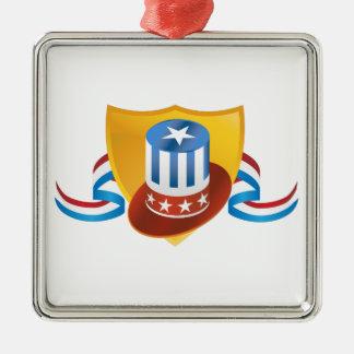 Unabhängigkeitstag-Hut-und Schild-Fahne Quadratisches Silberfarbenes Ornament