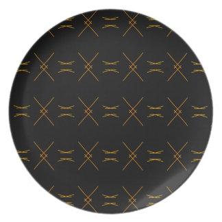 Unbedeutende Schwarz-und Goldlinie Muster Melaminteller