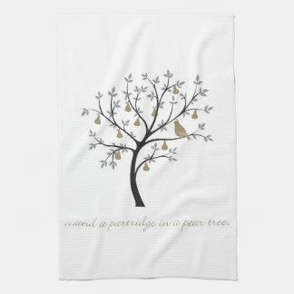 Und ein Rebhuhn in einem Birnenbaum Handtuch