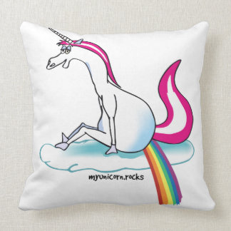 Unicorn pooping Rainbow - Einhorn pubst Regenbogen Zierkissen