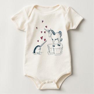 Unicorn und Narwhal, wahrer Liebebabybodysuit Baby Strampler
