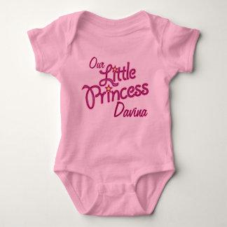 Unsere kleine Prinzessin genannt Mädchen-Shirt Baby Strampler