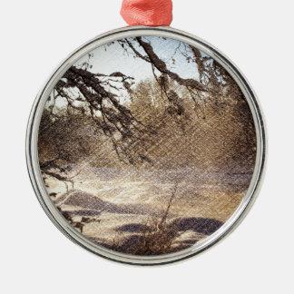 Ursprünglicher Kiefer-Waldwinter-Wald Rundes Silberfarbenes Ornament