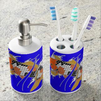 Ursprüngliches glückliches Koi Bad-Set Seifenspender & Zahnbürstenhalter