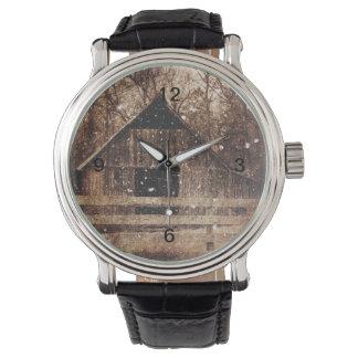 Ursprüngliches Winter-Schnee-Land-ländliche alte Armbanduhr