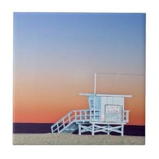 USA, Kalifornien, Los Angeles, Santa Monica Strand Fliese