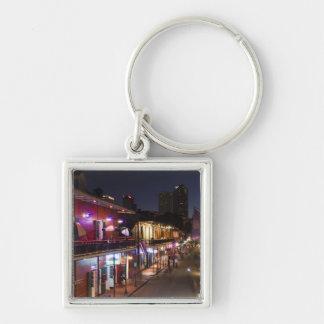 USA, Louisiana, New Orleans. Französisches Viertel Silberfarbener Quadratischer Schlüsselanhänger