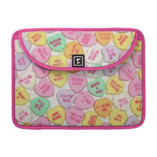 Valentinsgruß-Süßigkeits-Herzen MacBook Pro Sleeve
