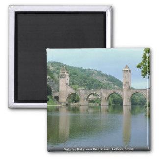 Valentre Brücke über dem Los-Fluss, Cahors, Quadratischer Magnet