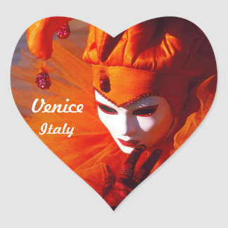 Venezianischer Harlekin im orange Karnevals-Kostüm Herz-Aufkleber