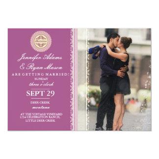 Verbinden Sie Romanze Kuss im Brunnen/im rosa Karte