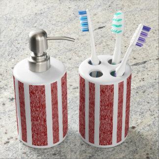 Verblaßtes Rotes und Weiß Stripes Badezimmer-Set