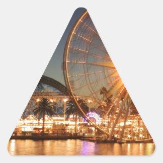 Vergnügungspark-Lichter Dreieckiger Aufkleber