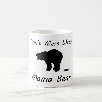 Verwirren Sie nicht mit Mutter Bear - Tasse